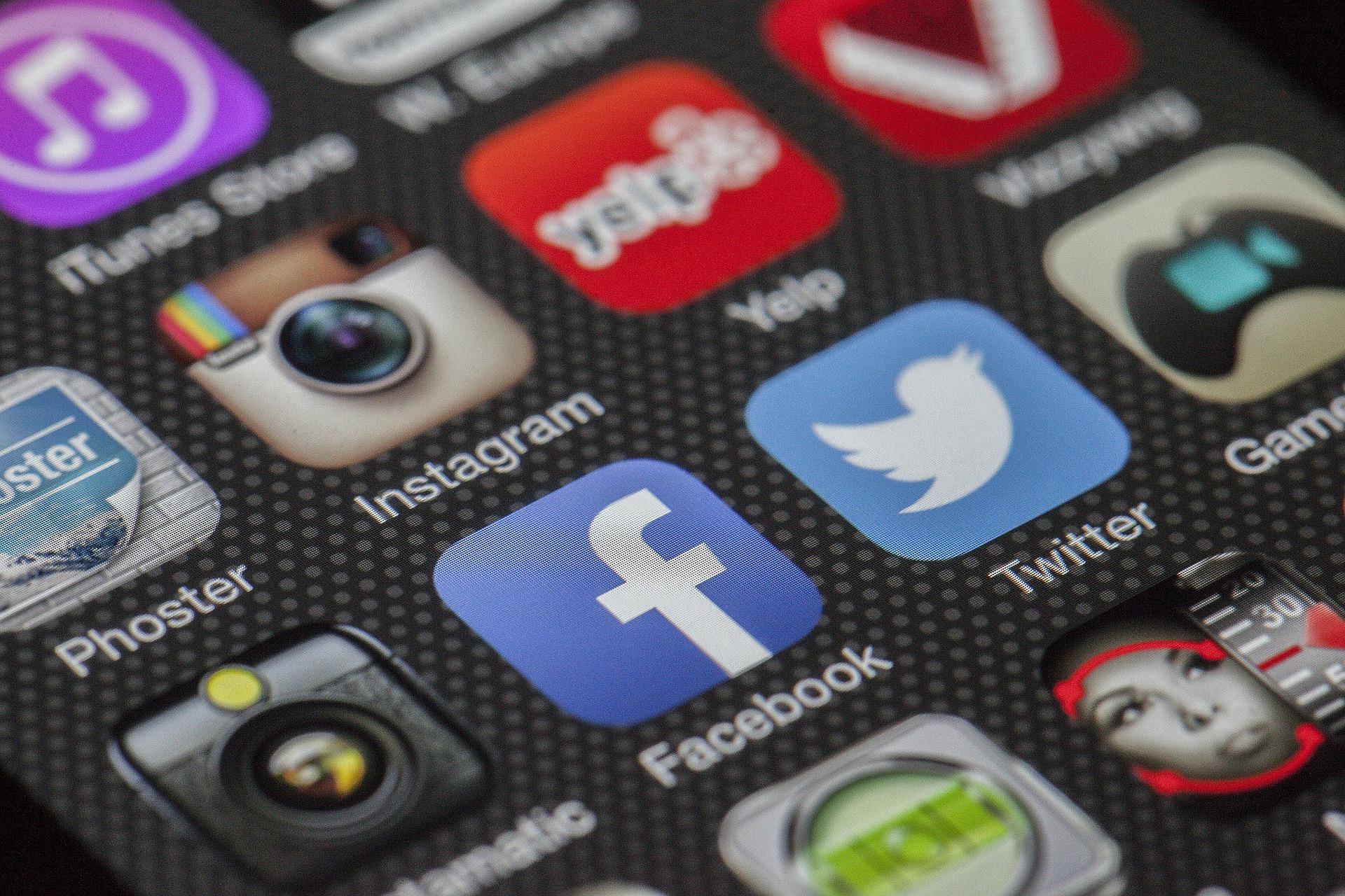 ¡Comparte con beruby en redes sociales!